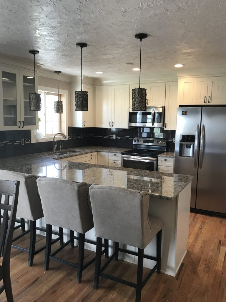 Remodeling Kitchen With Bar